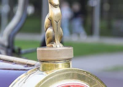 calandre bugatti sur le parking de l'hotel westminster lors du rallye historique du touquet paris plage