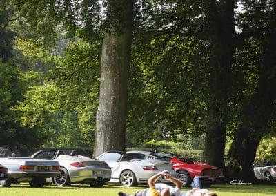 alignement de voitures de luxes, ferrari dino, porsche spyder, 996 Turbo S cabriolet, mercedes cabriolet pendant le rallye historique du touquet paris plage
