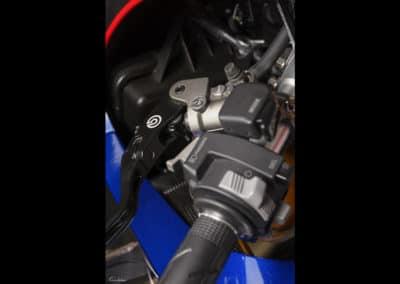 guidon Honda RC213 VS sur fond noir