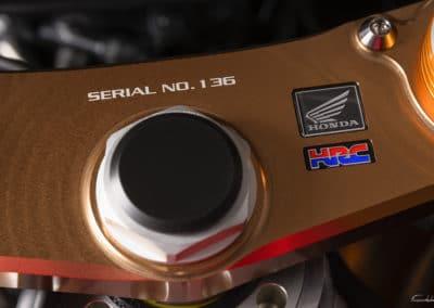 té de fourche Honda RC213 VS sur fond noir