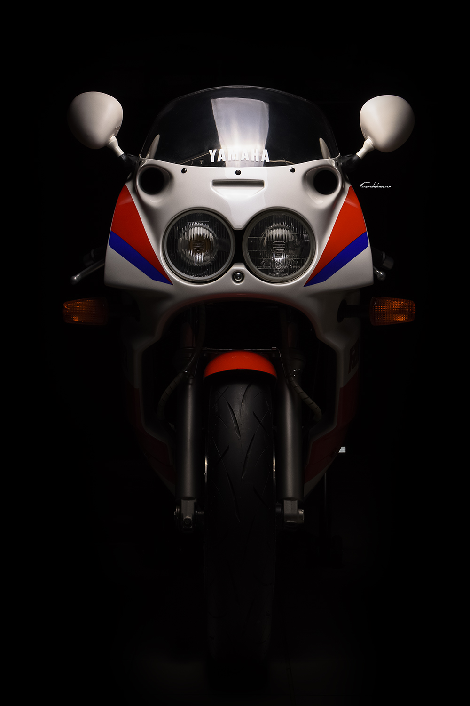 photo moto Yamaha FZR 750 R OW01