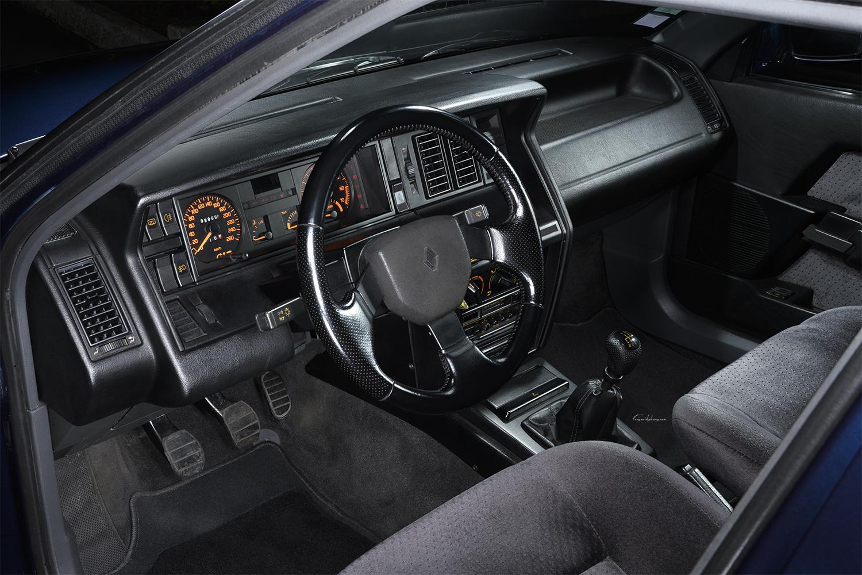 intérieur Renault 21 2L Turbo