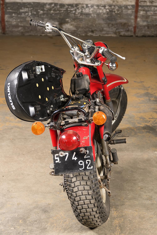 Selle relevée Suzuki RV 90 K