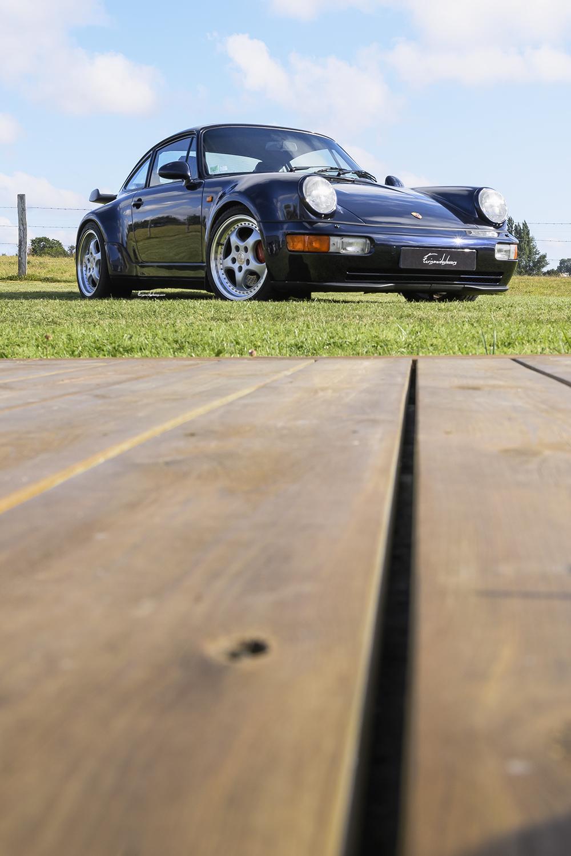 Porsche 964 3.6L Turbo en 3/4 avant